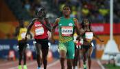 Caster Semenya wins 800m gold in a new games record of 1:56.68